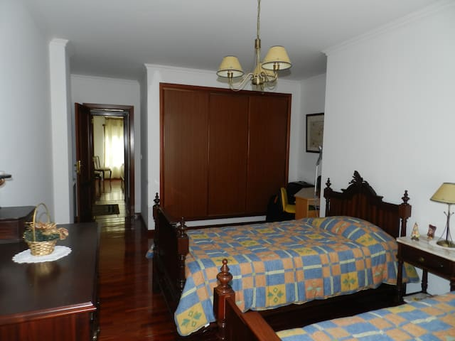 Quarto Compartilhado - Castanheira do Ribatejo - Appartement