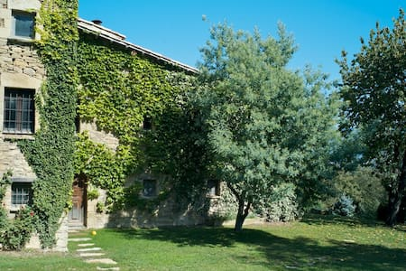 Romantic Stone Farmhouse  - Tavèrnoles - Talo