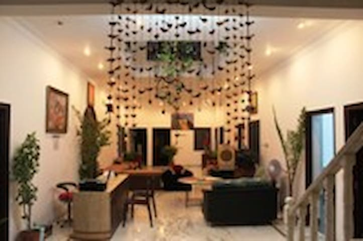 SINGHI VILLA GUEST HOUSE : AC ROOMS - Udaipur - Appartement