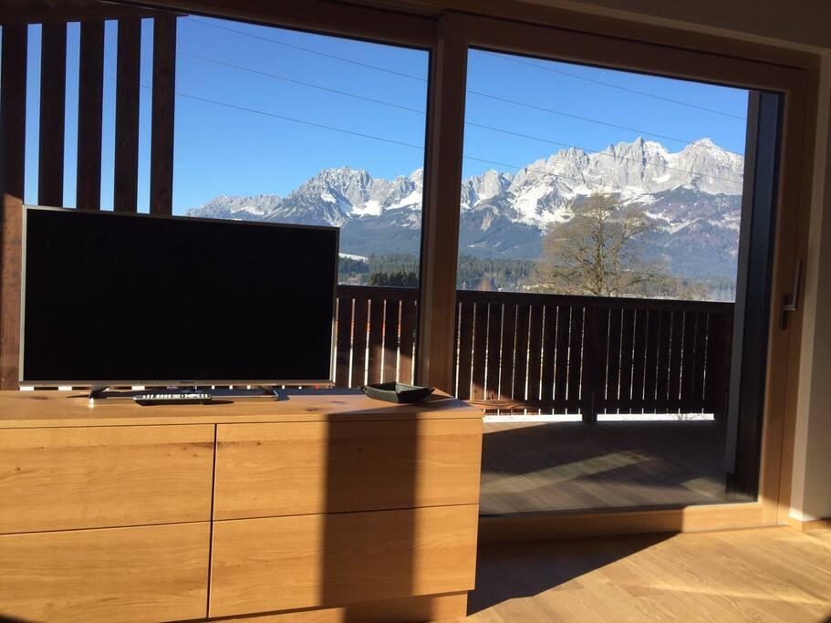 wunderbare Aus- & Weitblick von der Wohn-Küche auf den Wilden Kaiser/Kitzbüheler Alpen