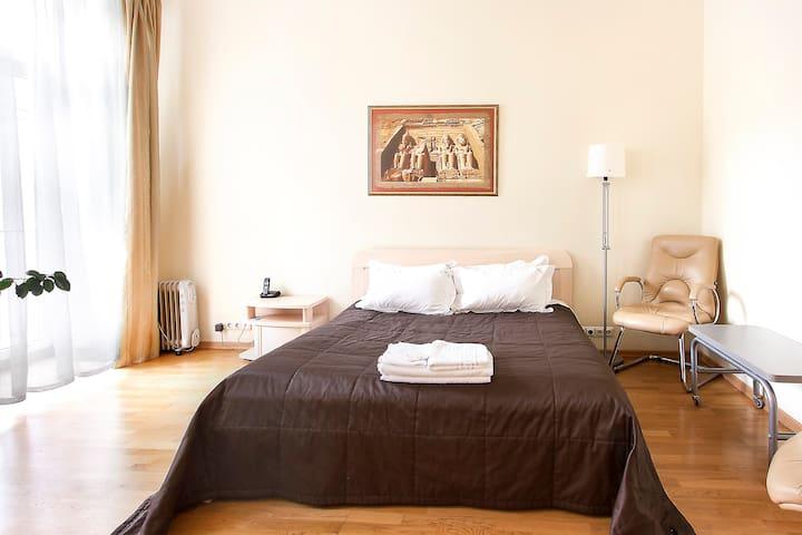 Studio apartment with jacuzzi ID172