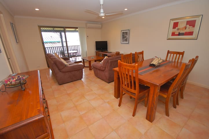 Seaview on Kent - Rockingham - Apartemen