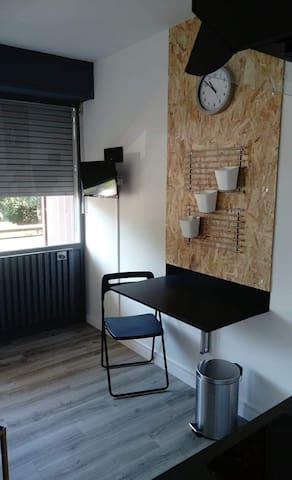 Studio 134 plein Ouest TRAM 50m ,Talence, Bordeaux