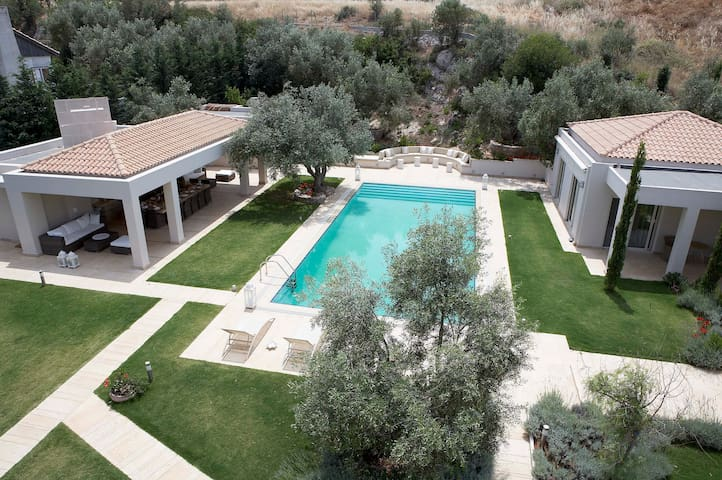 Emerald Luxury Villa on Evia Gulf - Sterea Ellada - Vila