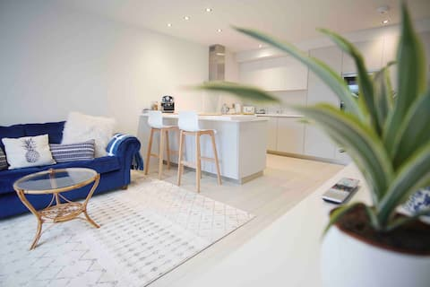 Boutique Fistral Apartment ~ Perfect For Couples