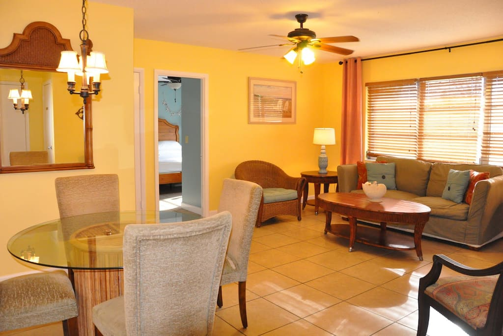 1 Br Apt Walk To Beach St Armands Apartments For Rent In Sarasota Florida United States