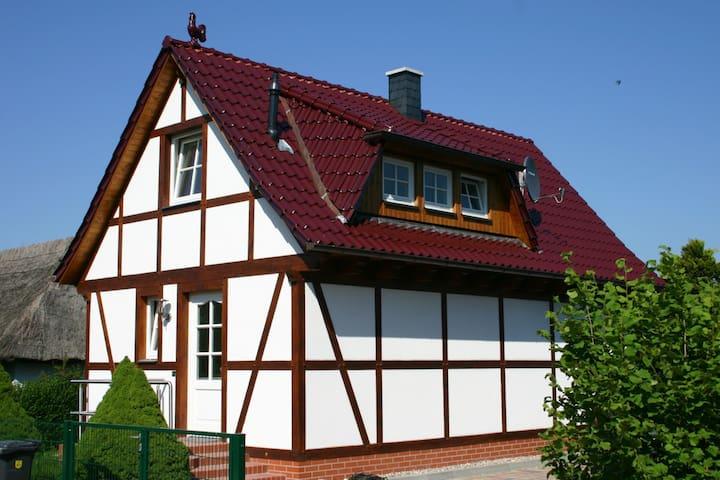 Häuschen am Ralswieker Hafen - Ralswiek - House