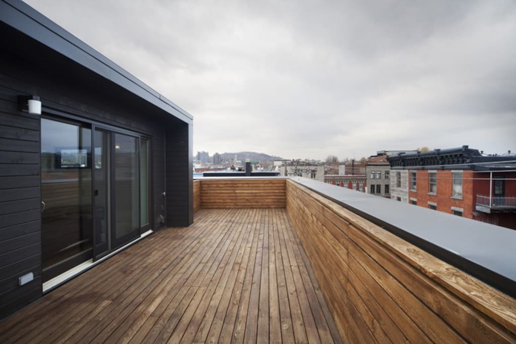 Private Rooftop terrace with an exceptional city and Mountain View
