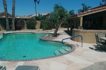 3 Bdr.'s each w/Baths, 2 Private G.C's &Clubhouses - Sun Lakes - Hus