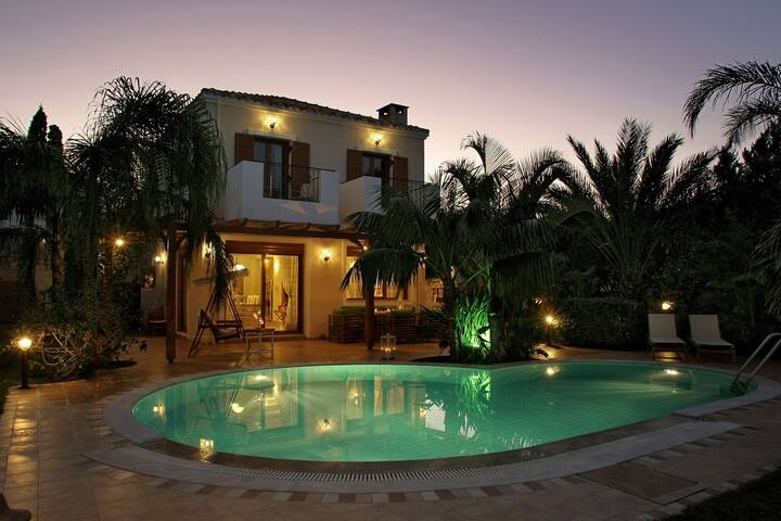 Pandora luxury Villas Crete with heated Pool