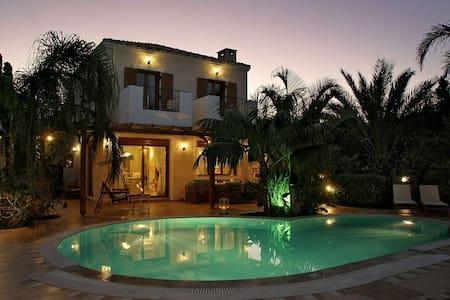 Pandora luxury Villas Crete with heated Pool
