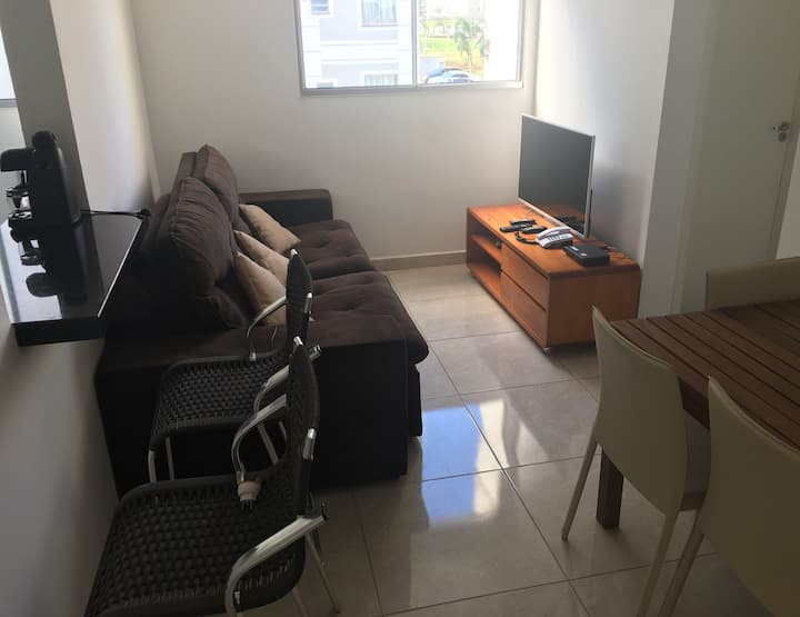 Apartamento inteiro - 2 quartos em Londrina (PR)!!