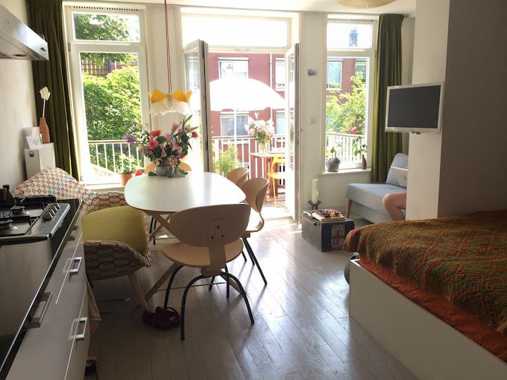 Bright studio in the city centre (Jordaan)