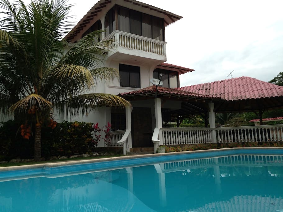 Beach House 5 Bedroom With Pool Houses For Rent In