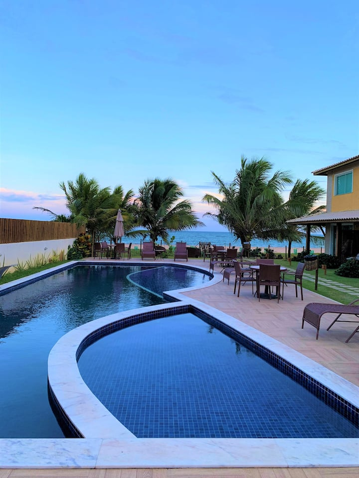 Village em frente ao mar, 3 suites Itacimirim - BA
