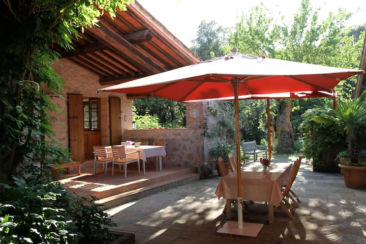 Charming cottage near by Siena  - Sovicille - Huis