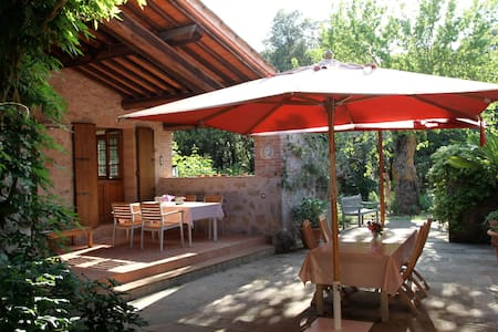 Charming cottage near by Siena  - Talo