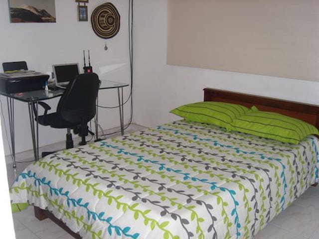 Habitación sencilla en Manizales