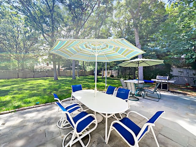 Spend perfect summer days on the patio with seating for 10.
