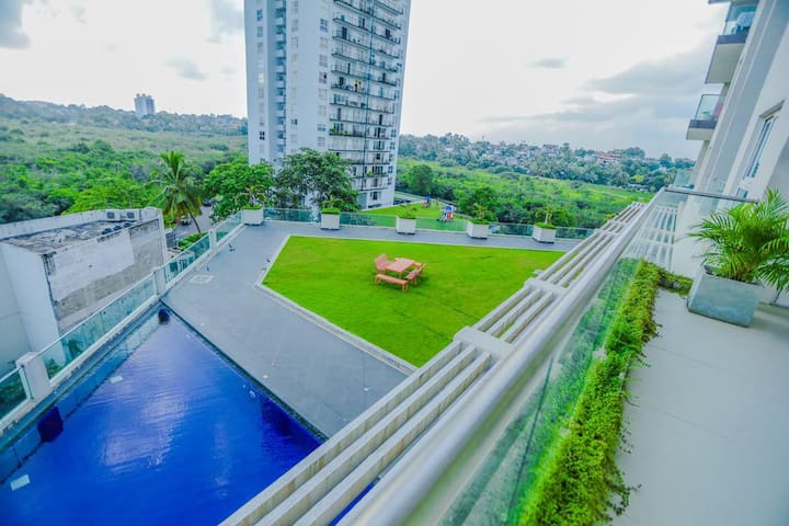 SkyGardens, Luxury 3 Bedroom Apartment Colombo