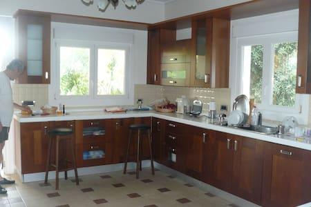 Комната в вилле в Рио,, Пелопоннес. - Patras - Bed & Breakfast