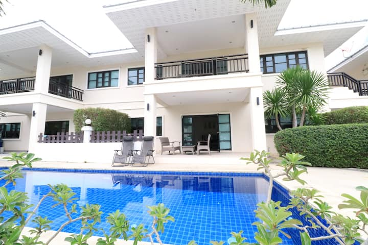 Relaxing Apartment in Hua Hin