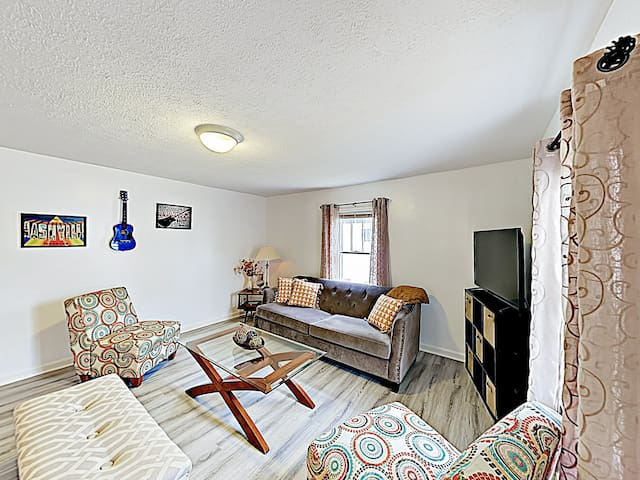 New Listing! Choice Hideaway Near West End