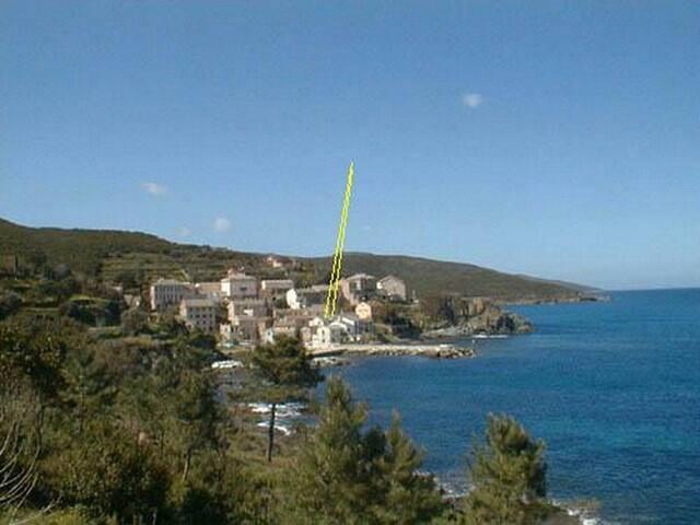 Maison à 15 mètres de l'eau la mer à la campagne