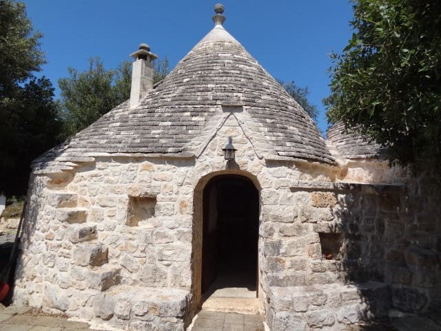 Charming trullo with pool - Selva
