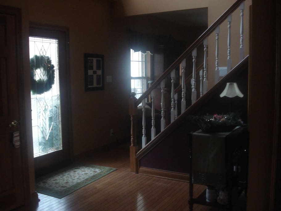 2 Story entry with open stairway