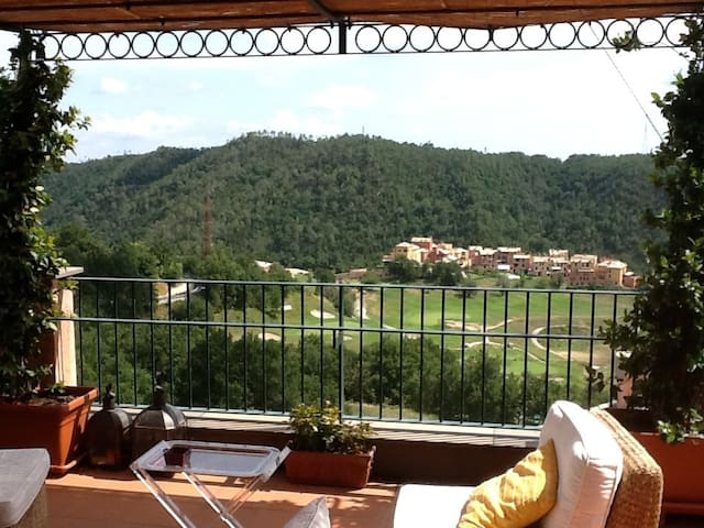 Attic & large terrace over golf  - Cogoleto - Apartmen