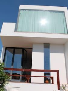 Architektenhaus in Strandnähe - Alcantarilha - House