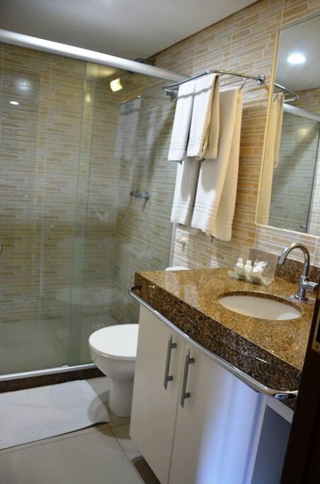 Banheiro privativo com ducha higiênica/private bathroom