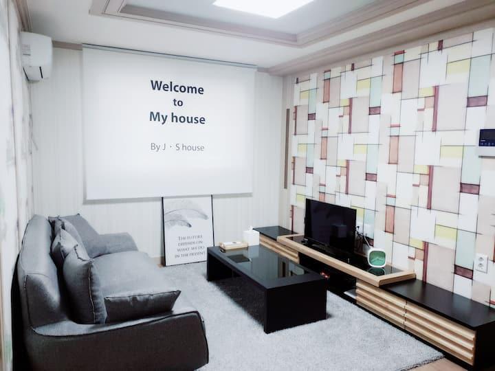 경주  J •S house 2, 도보여행 최적, 교통이 편리한 경주숙소