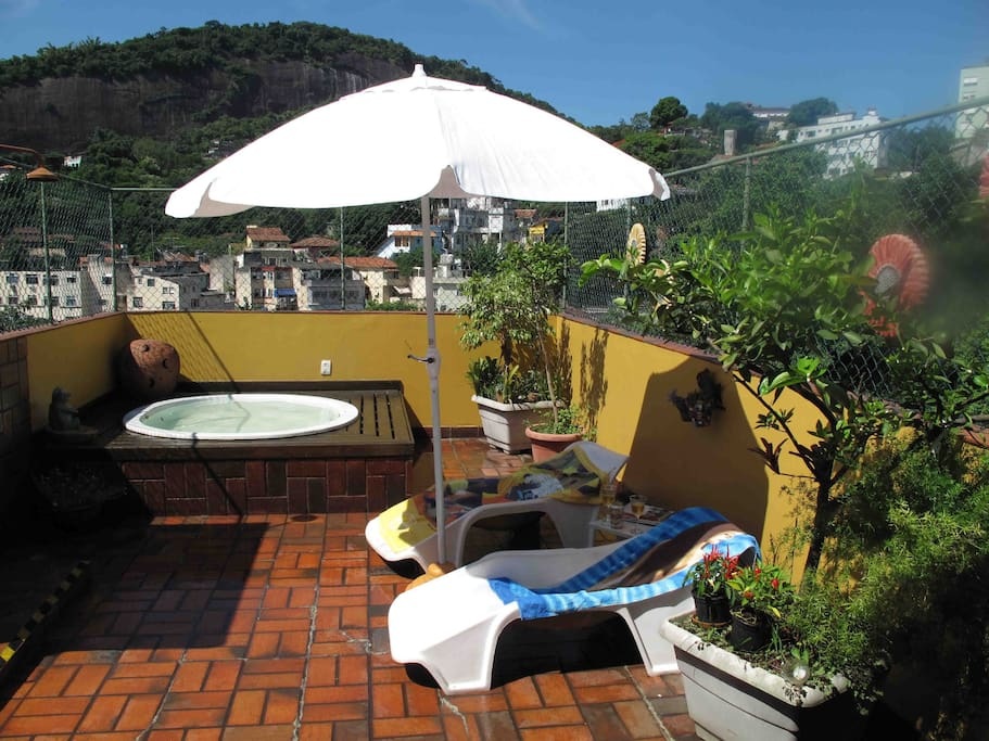 terraco com jacuzzi  e vista de 360 graus- roof terrrace with whirlpool and 360 degrees view