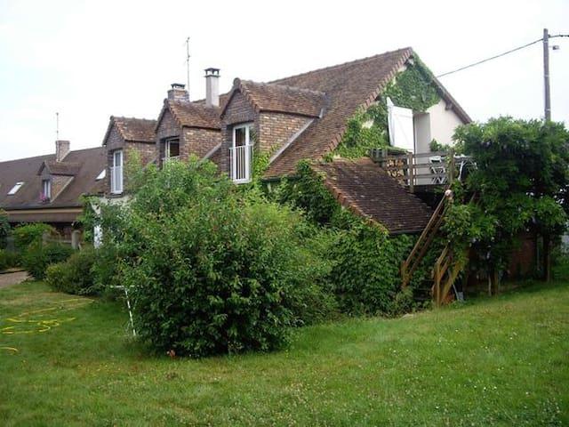 Jolie ferme rénovée - 4 pers - Vaudeurs - Rumah