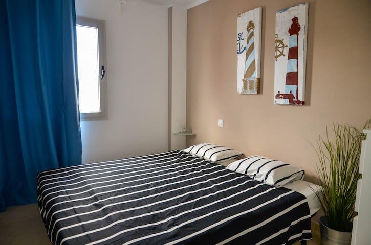 Cozy private room & breakfast incl. - Corralejo - Byt