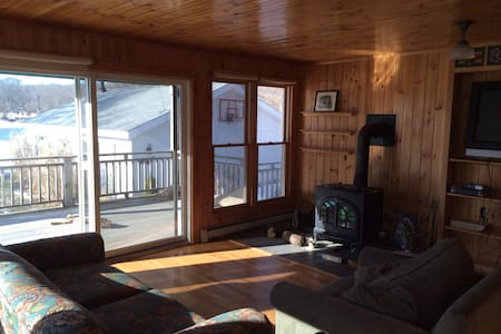Waterfront Beach House - Waterford - Casa