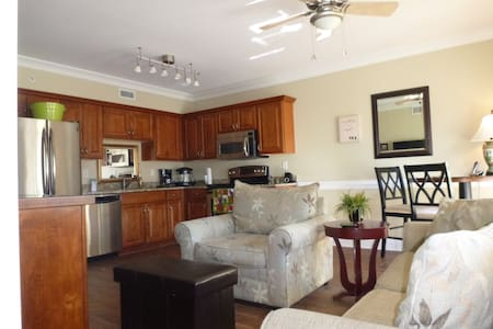 Tybee Island Condo near Pier, Beach - Tybee Island - Appartement