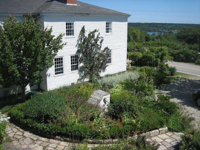 Cobblestone Farm on the Maine coast - Sedgwick - Casa