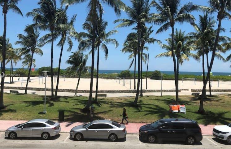 Ocean Front Studio with Beach View!!