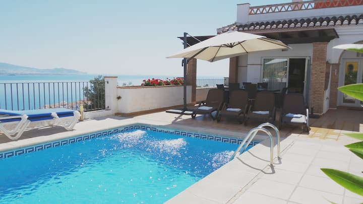 Villa El Retiro (Pool, Hot Tub & Fantastic Views)