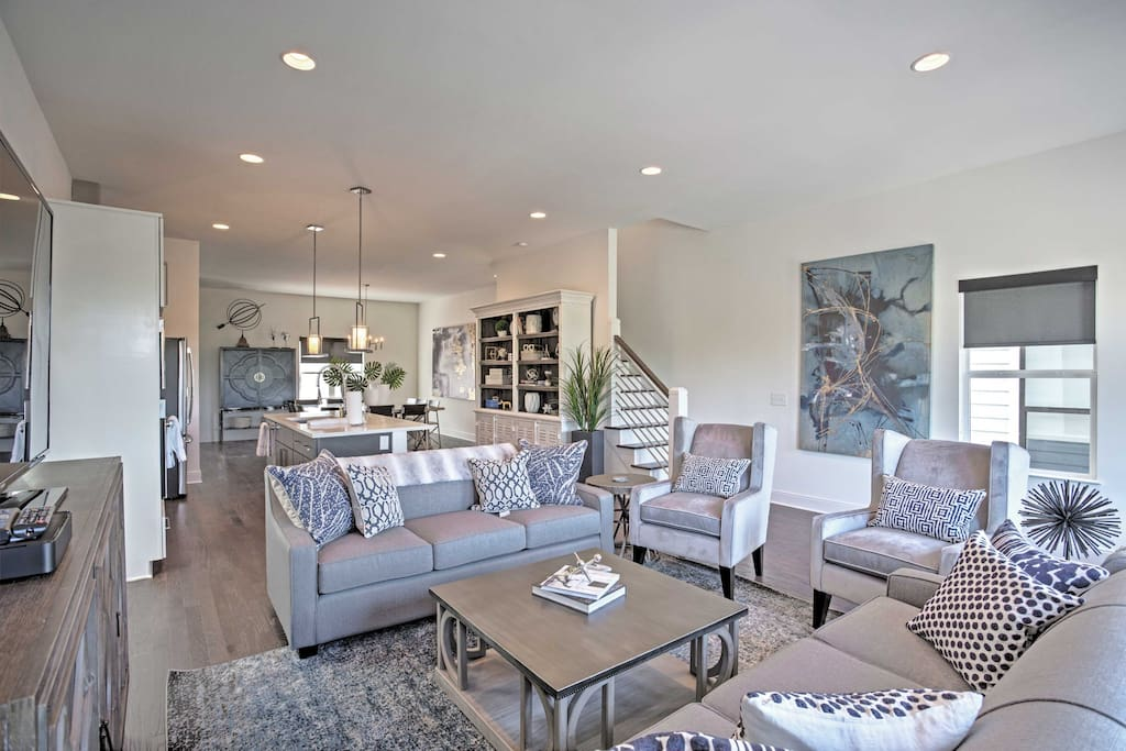 Step into this beautifully designed townhome and spend quality time with loved ones.