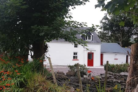 Traditional Irish Cottage, Ring of Kerry - Hus