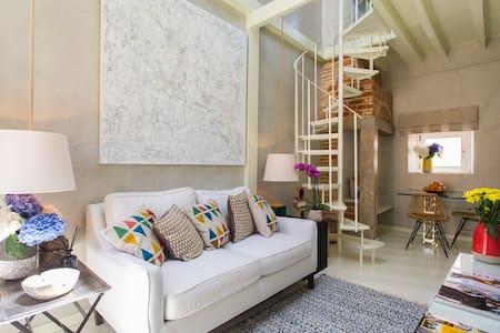 Chiado Loft 14 Bica Street Apartment