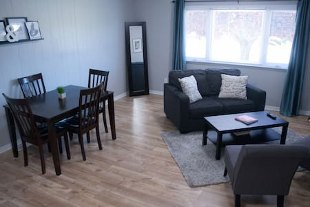 Private & Spacious 2 BR Suite - Close to Downtown