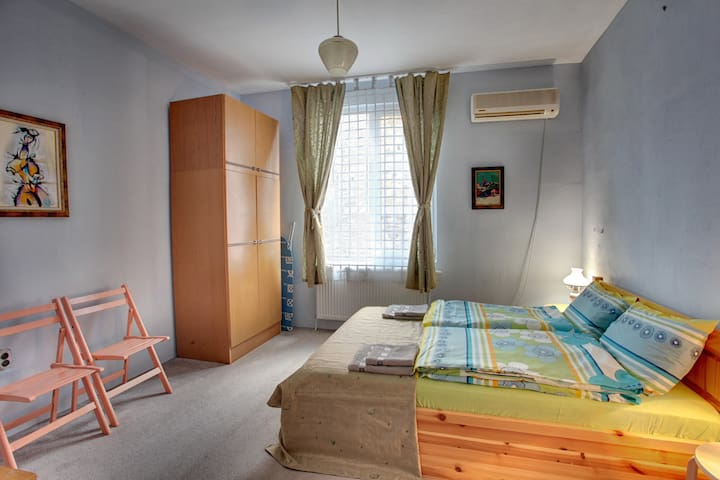 Neat & Quiet Room in the Centre of Plovdiv