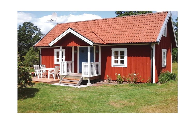 Holiday cottage with 1 bedroom on 45 m² in Fröseke