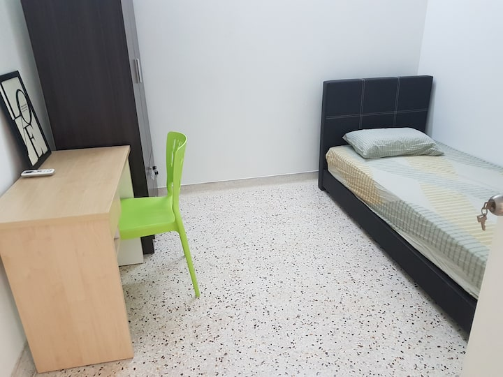 [Wifi n Aircond] Klang Budget Comfort Clean Room