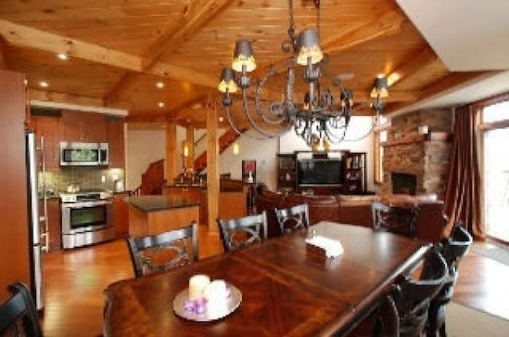stunning  luxurious  3 bedroom chalet